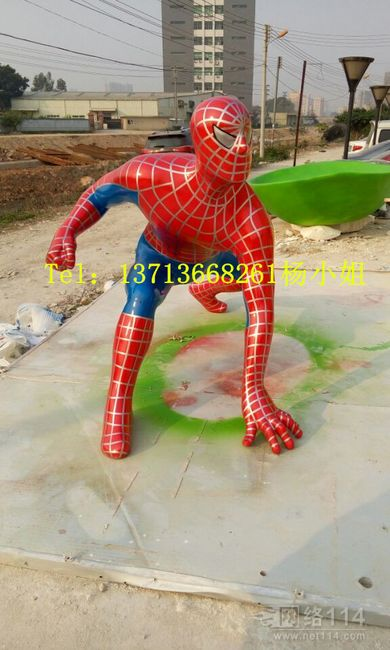 人气动漫超人蜘蛛侠雕塑
