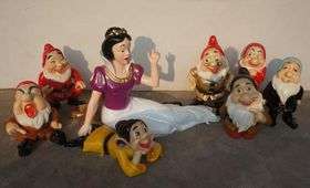 白雪公主与七个小矮人玻璃钢雕塑查看原图(点击放大)