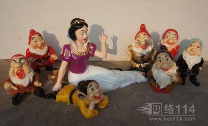 白雪公主与七个小矮人玻璃钢雕塑