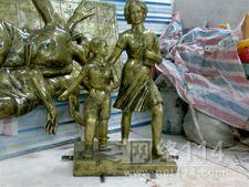 广场仿铜人物雕塑