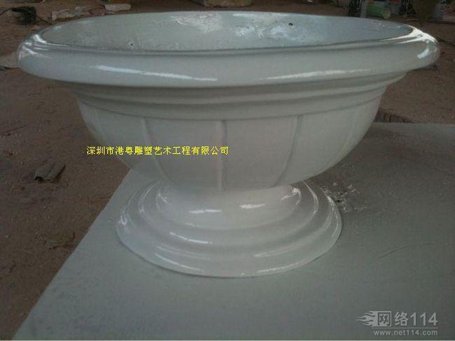 港粤纤维马路花盆玻璃钢雕塑