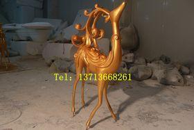 玻璃钢驯鹿雕塑【玻璃钢纤维动物雕塑】查看原图(点击放大)