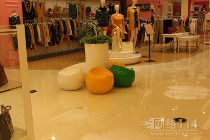 露天花盆玻璃雕塑