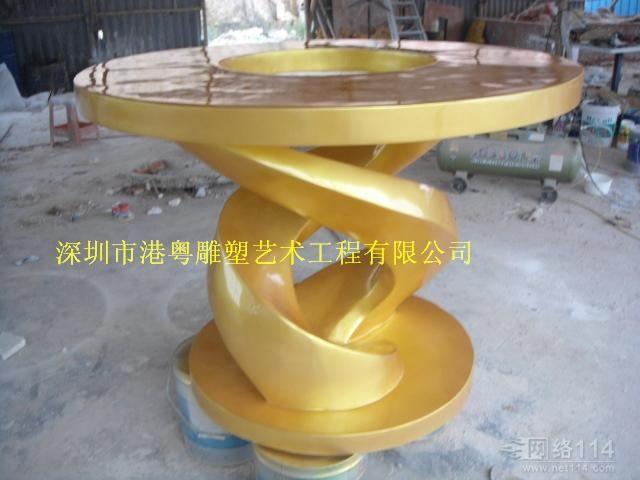 深圳玻璃钢摆设造型雕塑