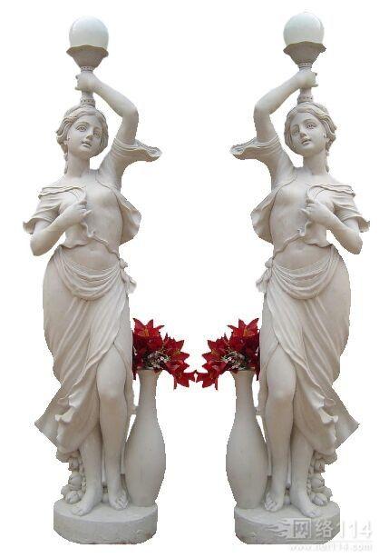 西方女人雕塑