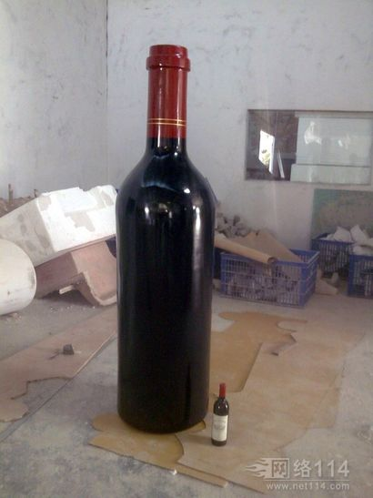 玻璃钢红酒瓶雕塑