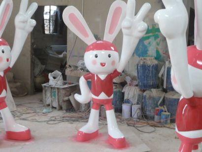 玻璃钢卡通公仔雕塑厂家