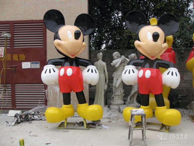 迪士尼卡通雕塑