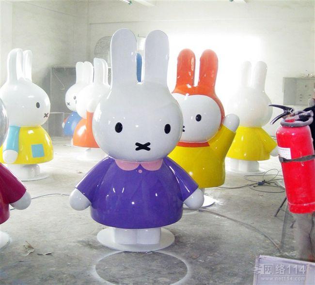 深圳玻璃钢雕塑公司