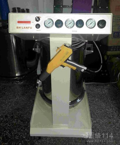 向客户介绍粉体静电喷枪特点,静电粉末喷枪使用要点及日常维护