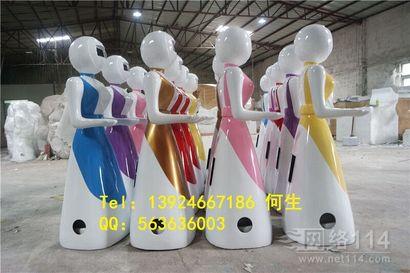 迎宾机器人玻璃钢雕塑【玻璃钢纤维机器人雕塑】