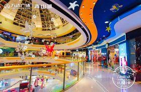 南昌万达商场中庭美陈飞马雕塑大型飞马造型查看原图(点击放大)