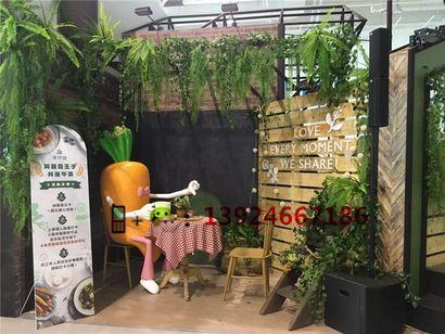 蔬菜卡通雕塑玻璃钢红萝卜卡通雕塑价格