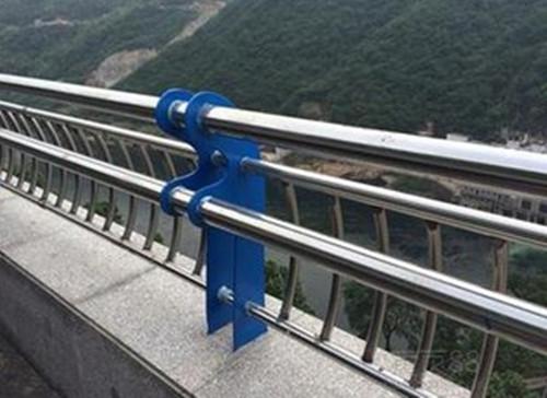 四川不锈钢复合管护栏、桥梁护栏、成都不锈钢复合管、钢板立柱