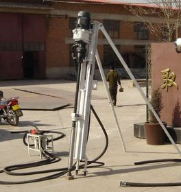 小型电动潜孔钻机100D大放价 名达正宇打桩机钻机质保查看原图(点击放大)