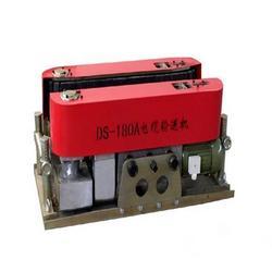 厂家供应180履带式电缆输送机线缆敷设机电缆牵引机