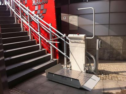 斜挂式楼梯升降椅,轮椅升降平台,轮椅升降机价格,广州座椅电梯