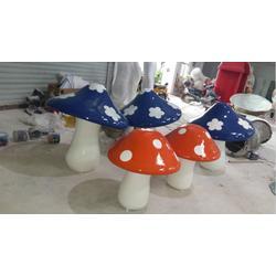 绿地装饰玻璃钢蘑菇雕塑