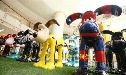 吉祥物小狗雕塑图片彩绘小狗雕塑