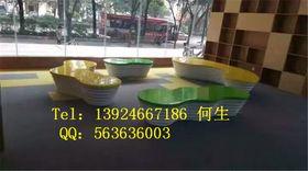 深圳纤维商场休息座椅雕塑查看原图(点击放大)